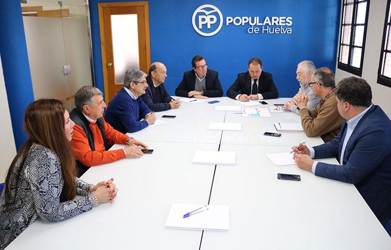 La Plataforma recibe el apoyo del Partido Popular en Huelva para conseguir el desdoble del túnel